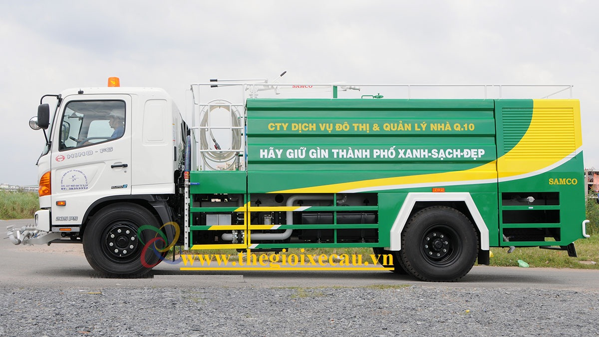 Xe rửa đường 8 khối Hino