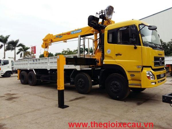 Xe cẩu tự hành 10 tấn Dongfeng- Soosan