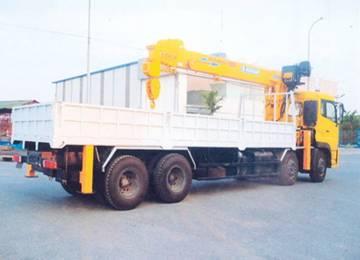 Dongfeng Hoàng Huy 8x4 gắn Soosan 7 tấn