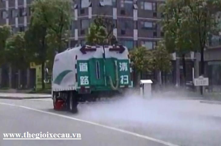 Xe quét kết hợp rửa đường