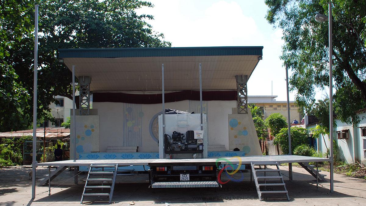 Xe sân khấu lưu động 45 m2