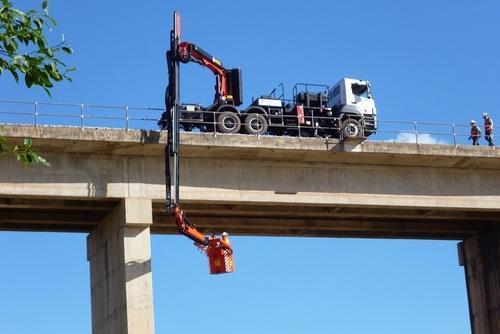 Xe kiểm tra gầm cầu