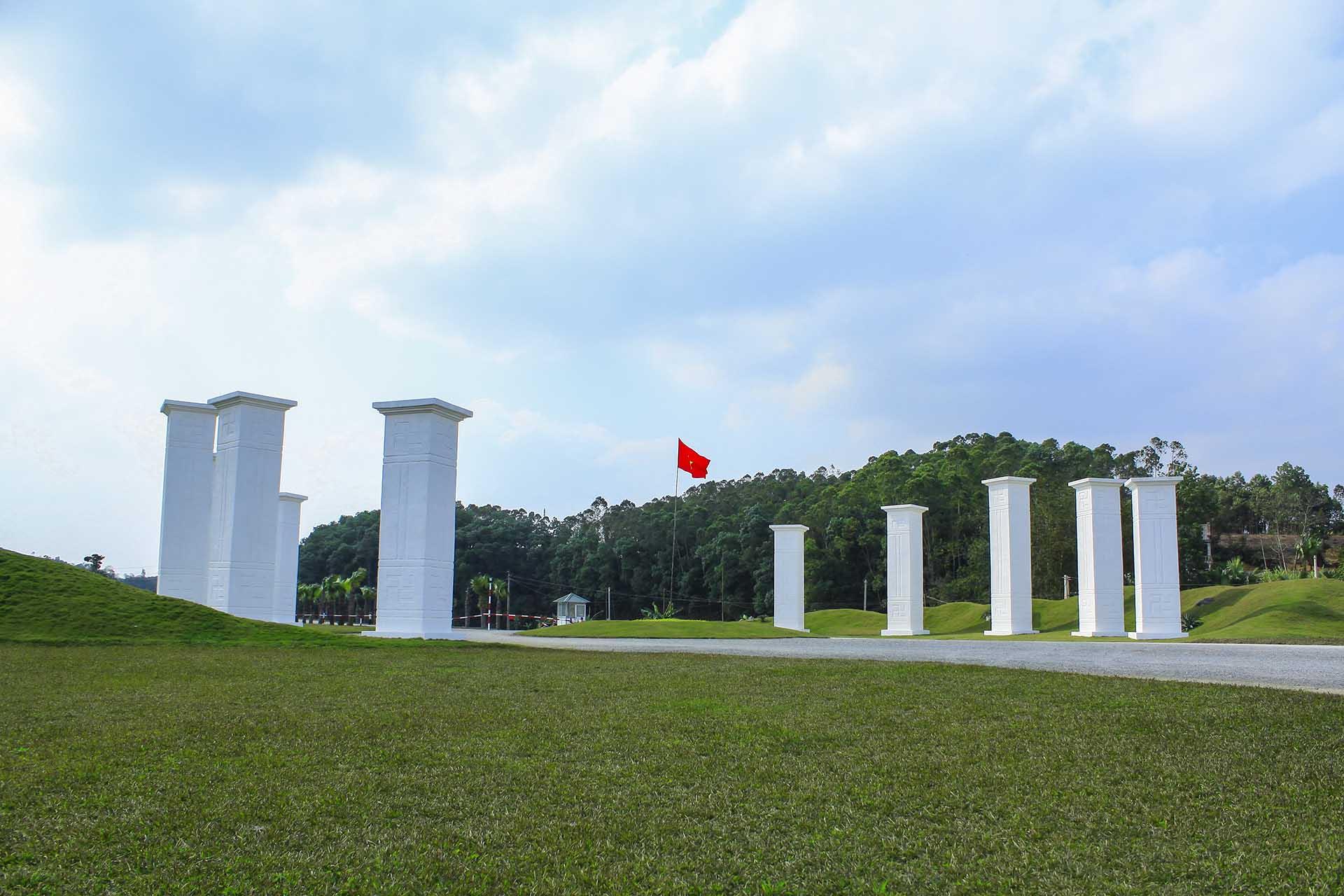 Mười cột phát binh tượng trưng cho ngũ hành