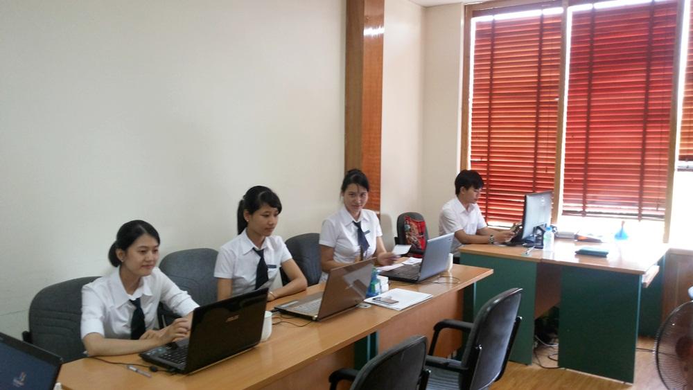 Đội ngũ tư vấn viên tại văn phòng Thiên Đức