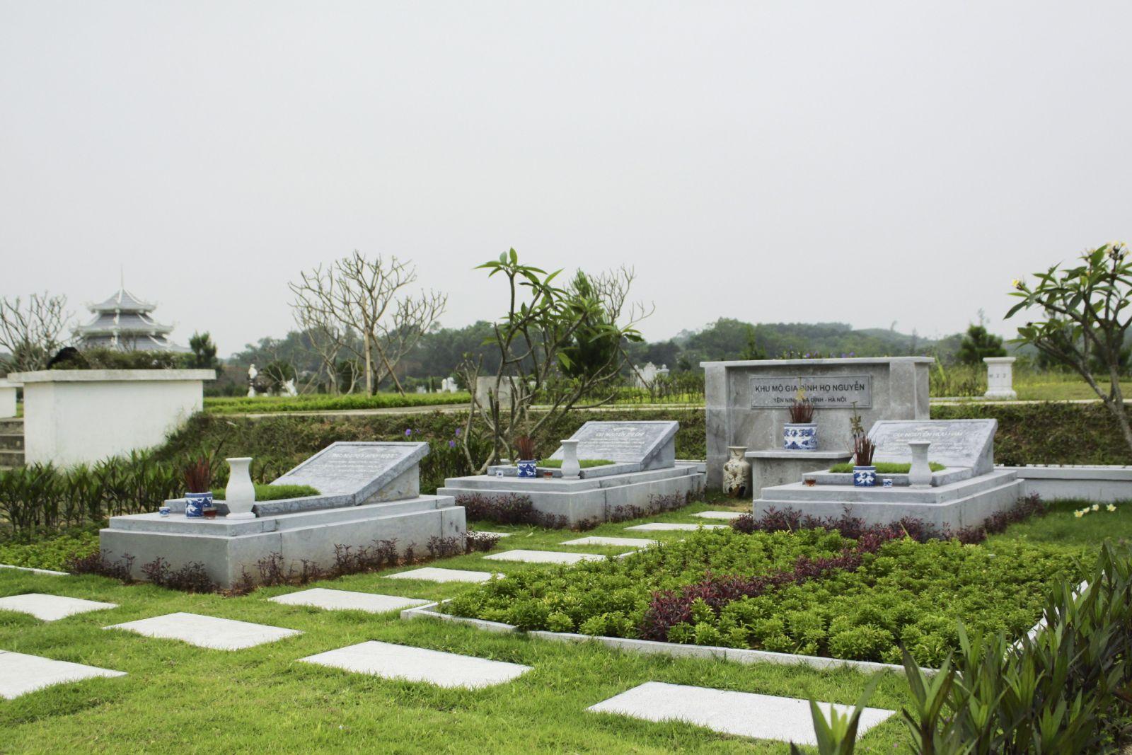Khuôn viên mộ phần gia đình nhỏ - nghĩa trang Thiên Đức