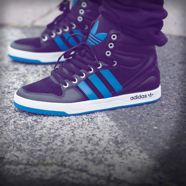 giay-the-thao-nam-adidas