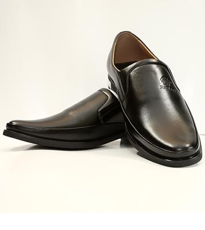 Các cách làm khô giày da nam