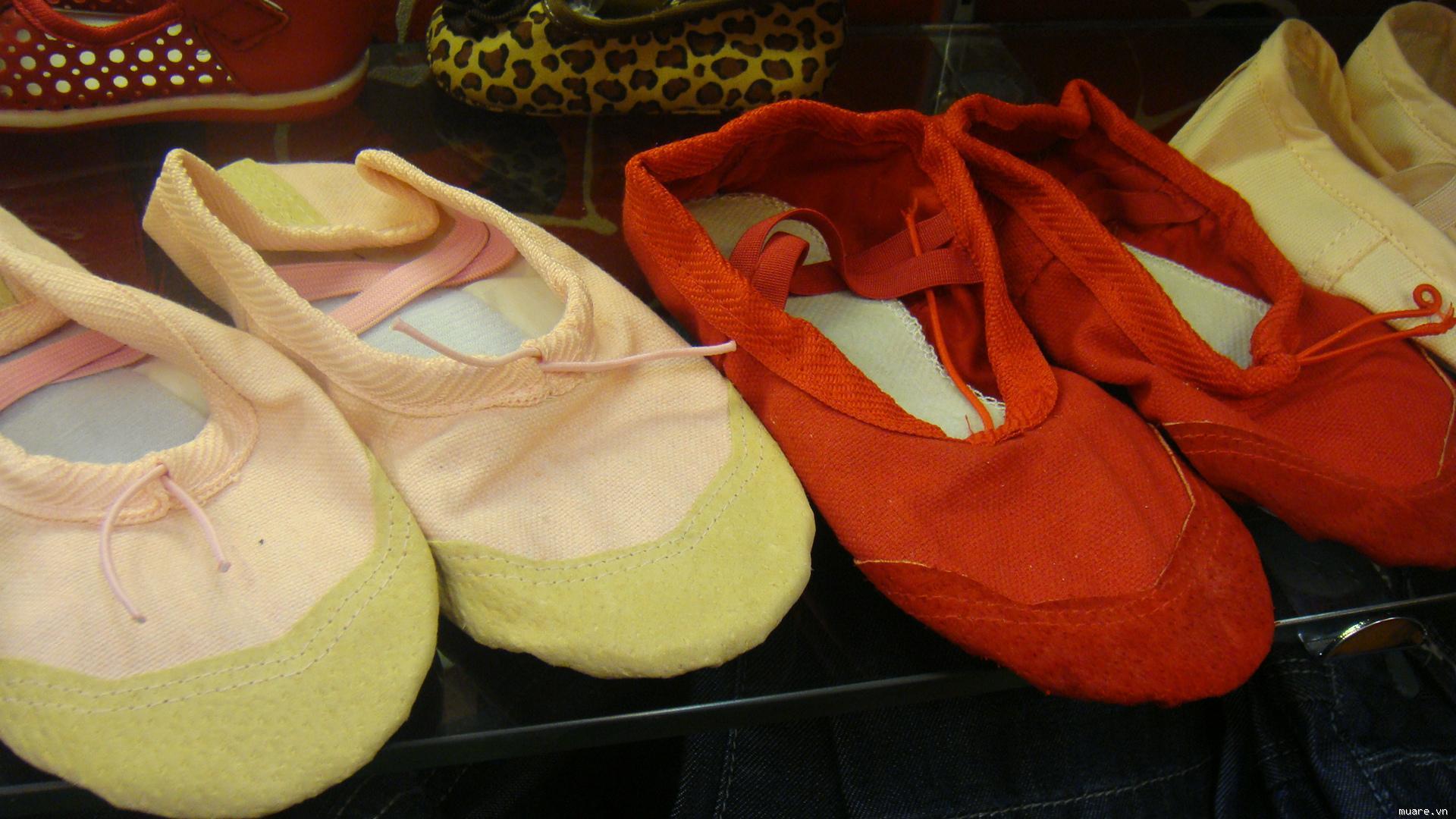 Mua giầy khiêu vũ đẹp giá rẻ tại Hà Nội ở đâu?