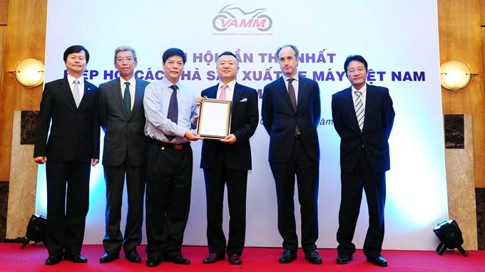 Các đại diện Vamm, hiệp hội các nhà sản xuất xe máy