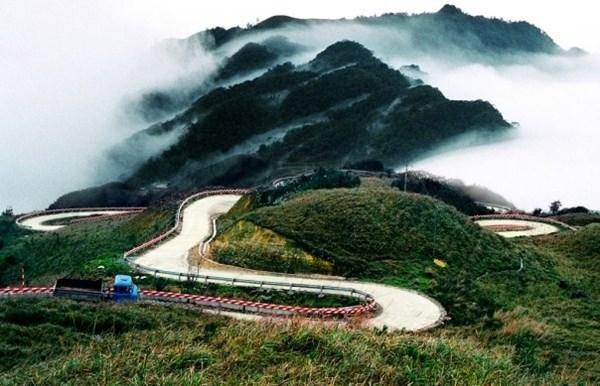 Đường đèo, đèo Phe Đin, đèo miền núi, xe đổ đèo,