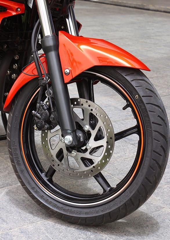 Bánh xe Yamaha FZ-S, Yamaha FZ 2014, xe côn tay Yamaha nhấp khẩu