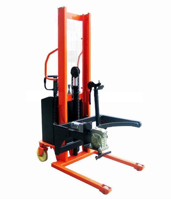 Xe nâng di chuyển phuy dùng nâng phuy sắt tiêu chuẩn 200L đến 220L và di chuyển các thùng phuy dầu, phuy sơn rất tiện dụng mà giá cả hợp lý