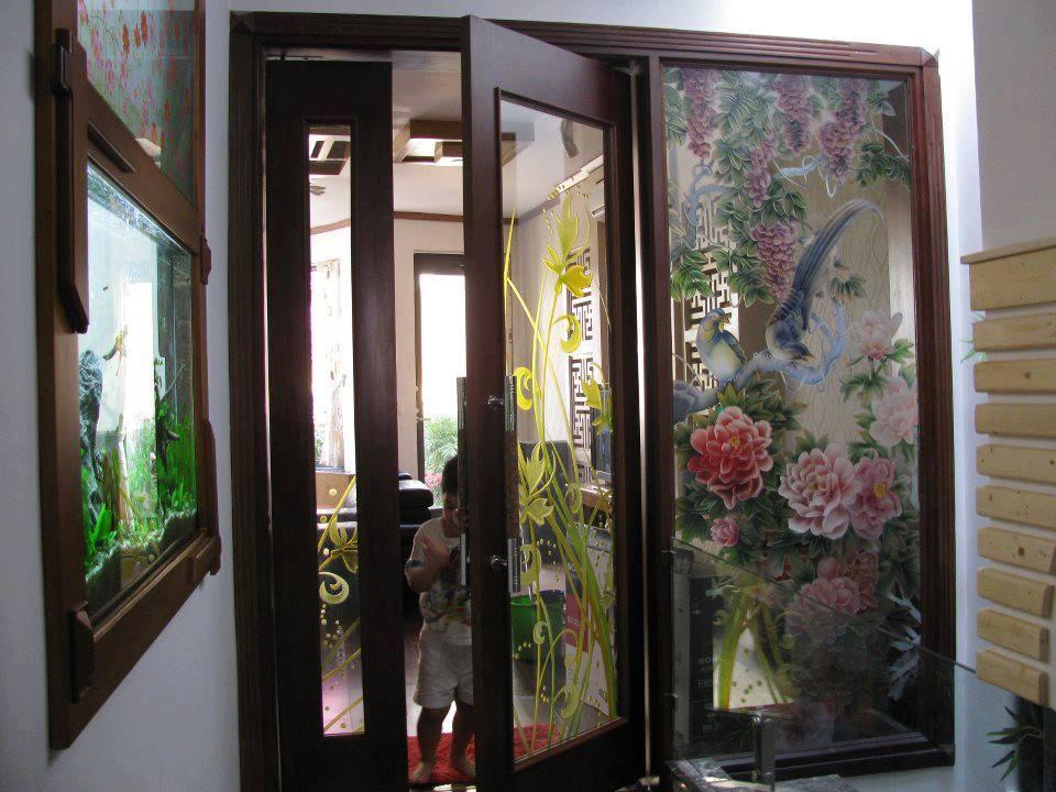 cửa kính siêu bền Vinhcoba .bảo hành điêu khắc và màu sơn vĩnh cửu. Giá cả hợp lý.