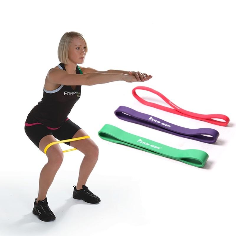 Squat với dây tập mông