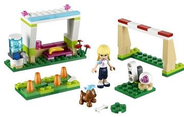 Đồ chơi xếp hình LEGO Friends 41011 Stephanie's Soccer Practice
