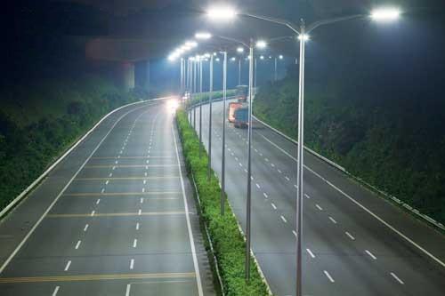 Đèn led trong chiếu sáng giao thông đô thị.
