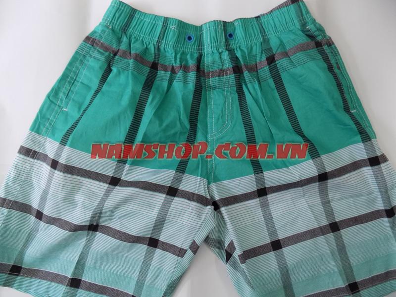 Chọn quần short nam đi biển cho mùa hè.