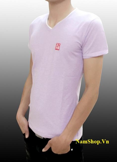 Hình ảnh mẫu áo phông cộc tay cổ tim hiệu Uniqlo màu tím
