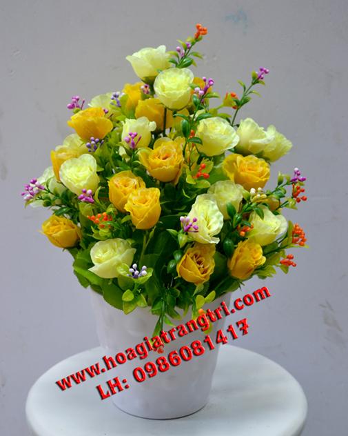 Làm đẹp không gian của bạn bằng lọ hoa giả đề bàn trang trí đẹp