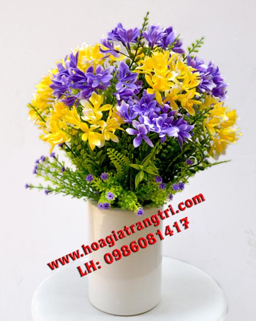 Vẻ đẹp tự nhiên của hoa giả trang trí phòng khách
