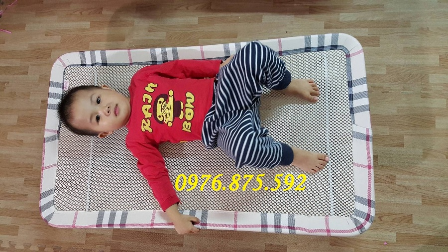 giường lưới trẻ em