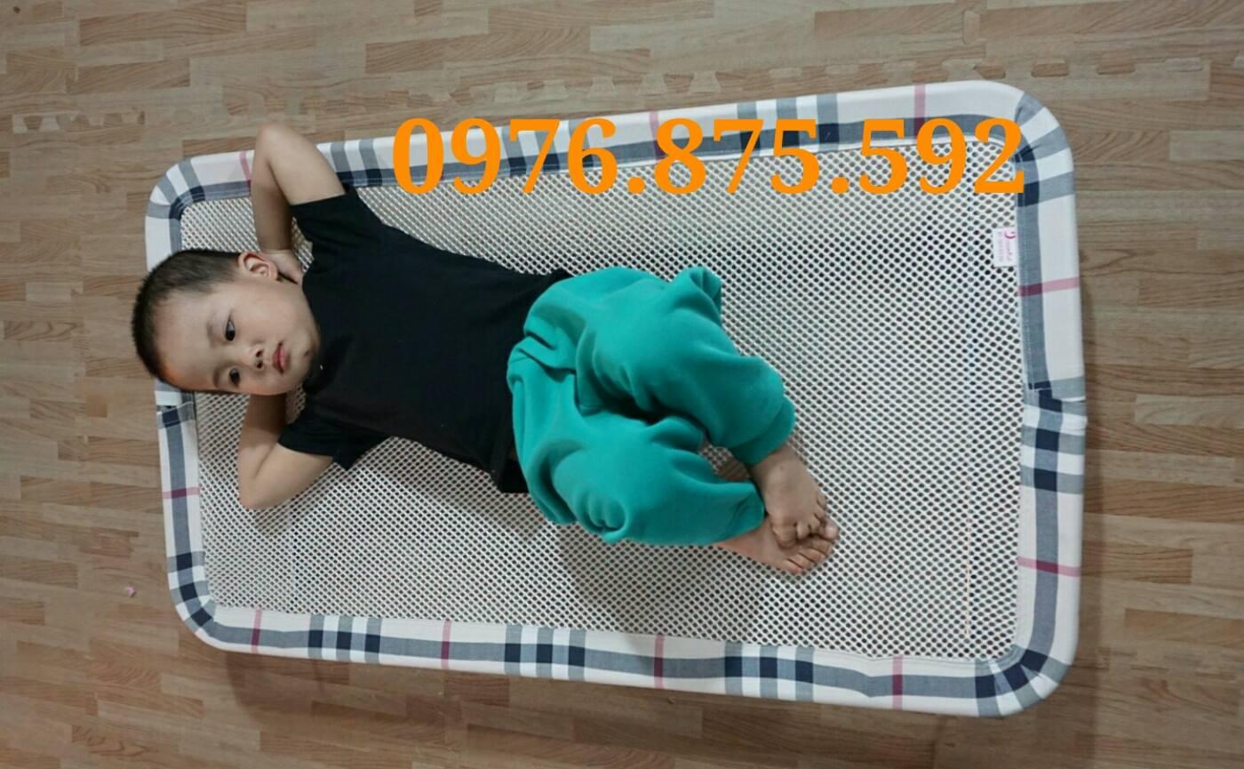 Giuong luoi cho be