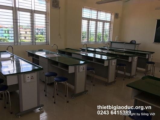bàn thí nghiệm hóa sinh 2