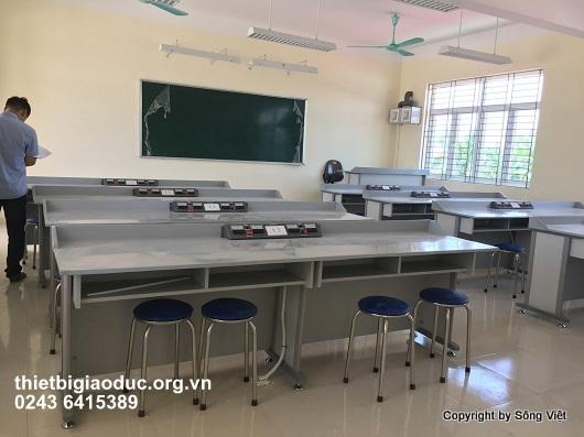 bàn thí nghiệm vật lý 3