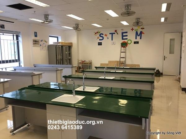 bàn thí nghiệm hóa phòng học công nghệ