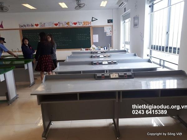 bàn thí nghiệm lý phòng học công nghệ 2