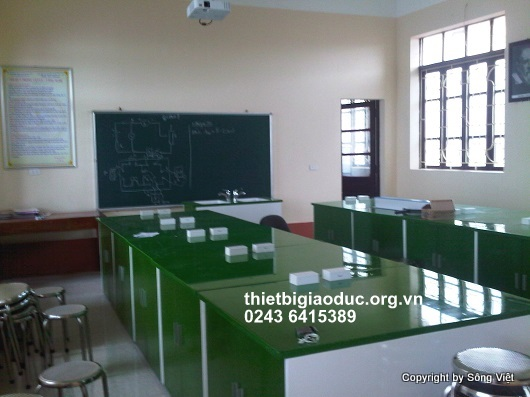 bàn thí nghiệm vật lý trường Ngô quyền