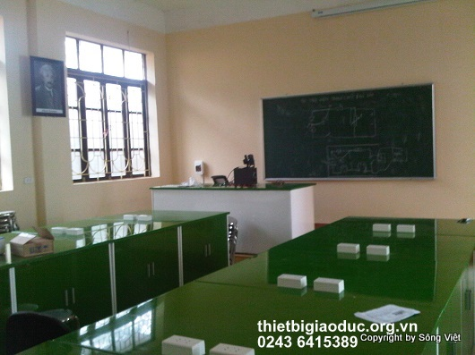bàn thí nghiệm vật lý trường Ngô quyền 1
