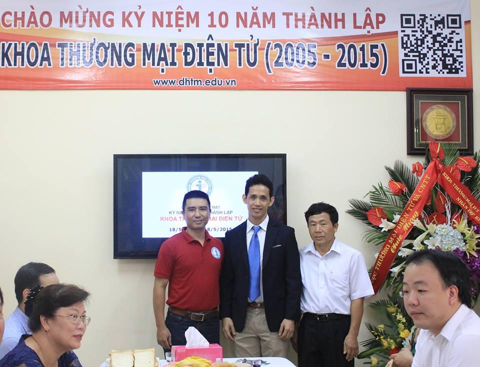 Khách mời anh Tước Huỳnh đến chúc mừng