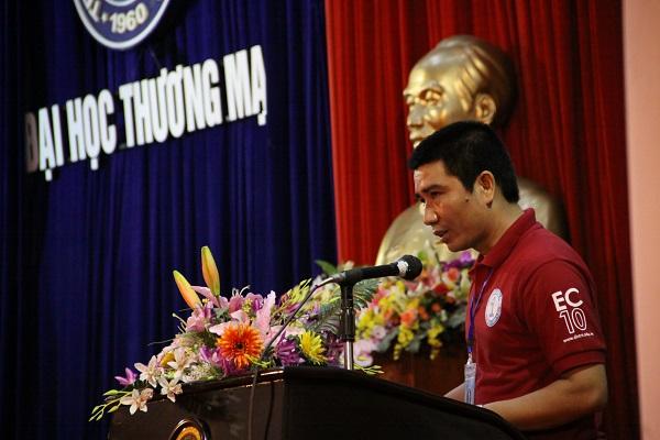 Thầy Th.s Nguyễn Bình Minh lên đọc diễn văn khai mạc