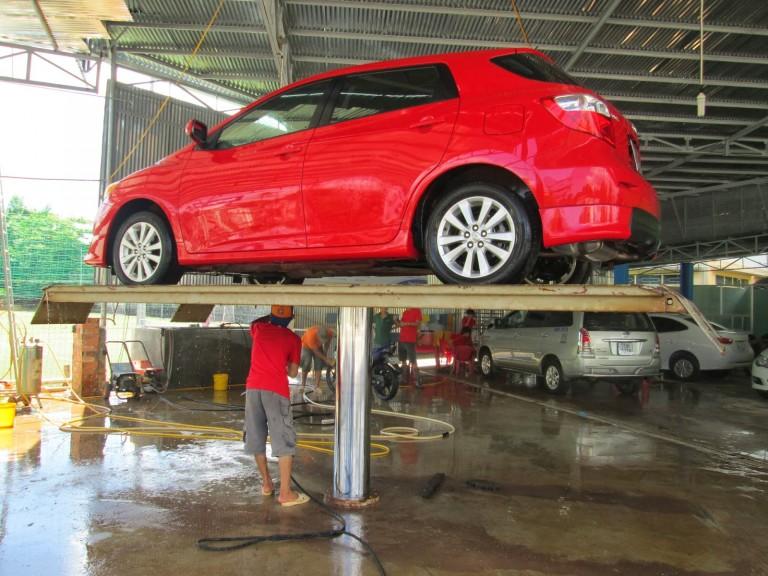 Cầu nâng rửa xe ô tô, cầu nâng 1 trụ rửa xe, ti ben rửa xe ô tô