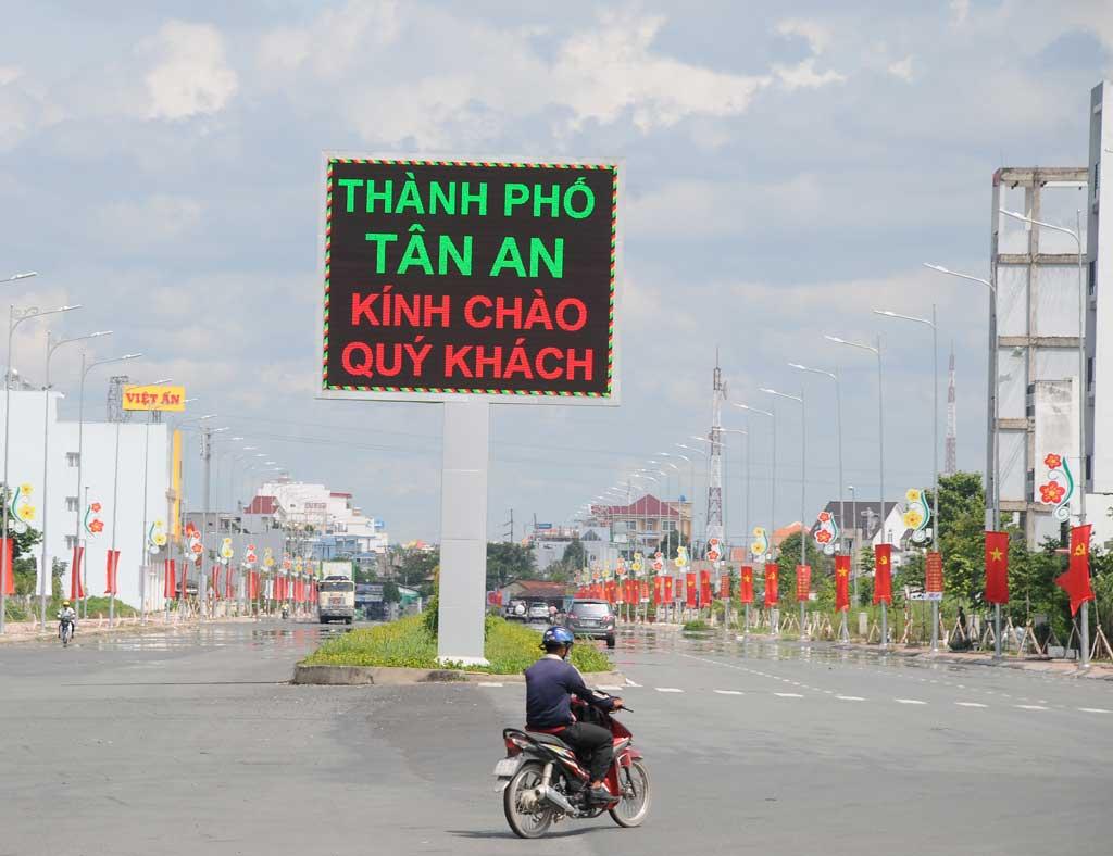 học lái xe ô tô tại Tân An