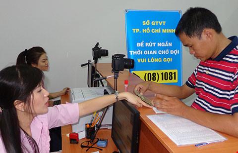 Đổi giấy phép lái xe qua tổng đài 08 1081