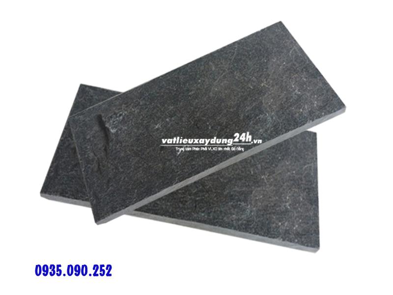Đá chẻ xanh đen Hòa Sơn 10x20