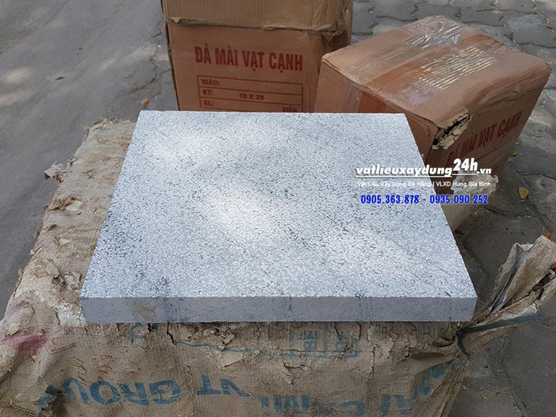 Đá băm xám trắng 300x600 mm