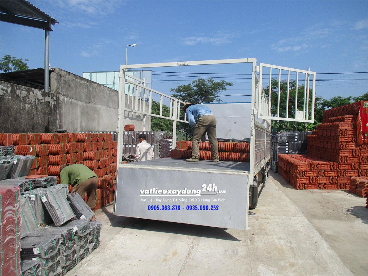 Ngói mũi hài lớn Đất Việt 270x200 mm