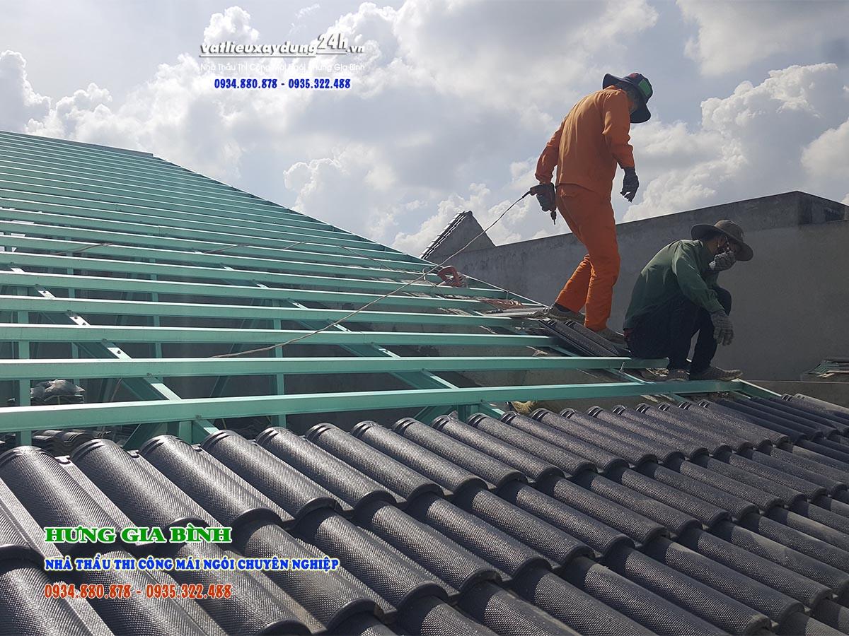 Thi công lợp mái ngói nhà anh Tuấn, Liên Chiểu, Đà Nẵng