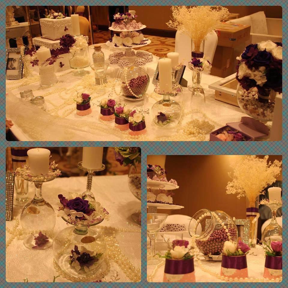 Trang trí Tiệc cưới với Bàn đón khách trắng tím hoàng gia