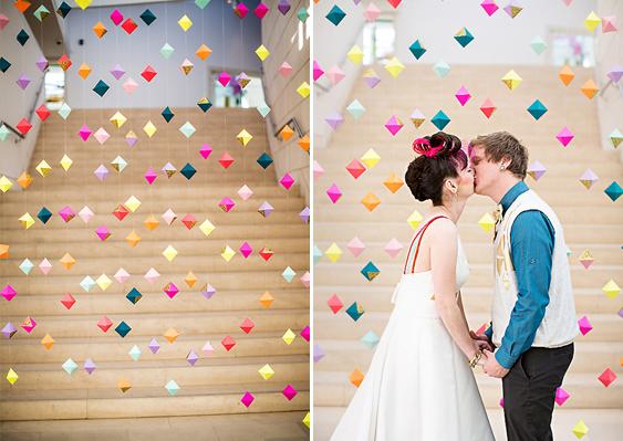 backdrop hoa giấy quả trám màu sắc