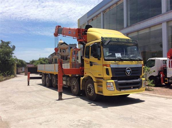 Xe tải gắn cẩu 15 tấn Kanglim 5206 gắn Thaco Auman 5 chân