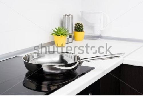 Các sự cố thường gặp khi sử dụng bếp từ và cách khắc phục