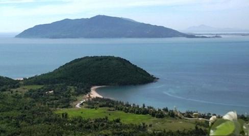 Description: Description: Du lịch đảo yến