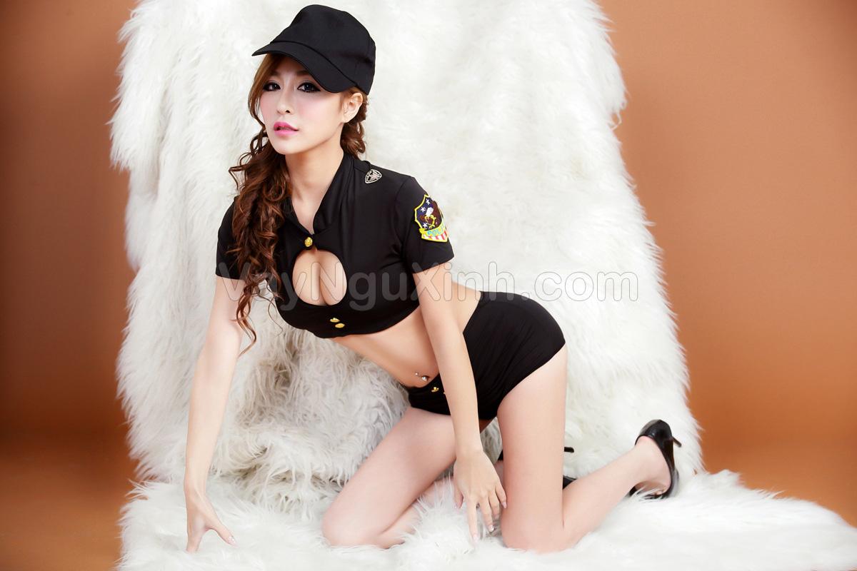 Cosplay Cảnh Sát Đen 0435