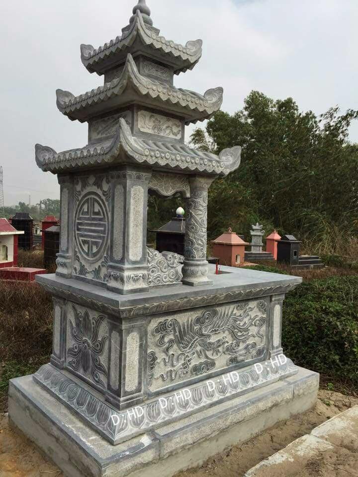 mặt sau mộ đá ba mái