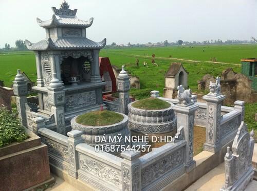 Khu lăng mộ đá đôi gia đình
