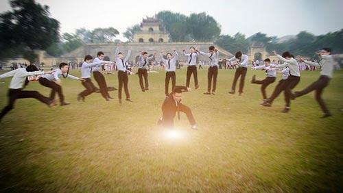 Bộ ảnh kỷ yếu siêu quậy của sinh viên Hà thành | Sinh viên, Nữ sinh, Kỷ yếu, ĐH Công đoàn, Văn Miếu QUốc Tử Giám,  Hoàng Thành, Chụp ảnh